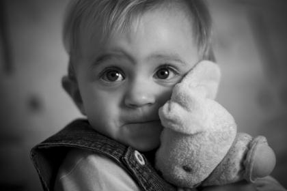 bebe_peluche_doudou_mignon_enfant